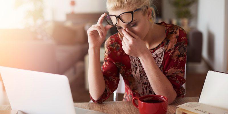 Jak dbać o wzrok przed komputerem?